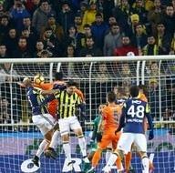 Fenerbahçe - Medipol Başakşehir maçından kareler